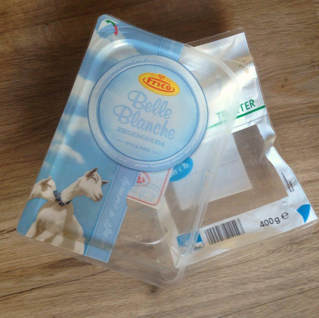 Leere Käseverpackung aus Plastik (Quelle: wilderwegesrand.de)