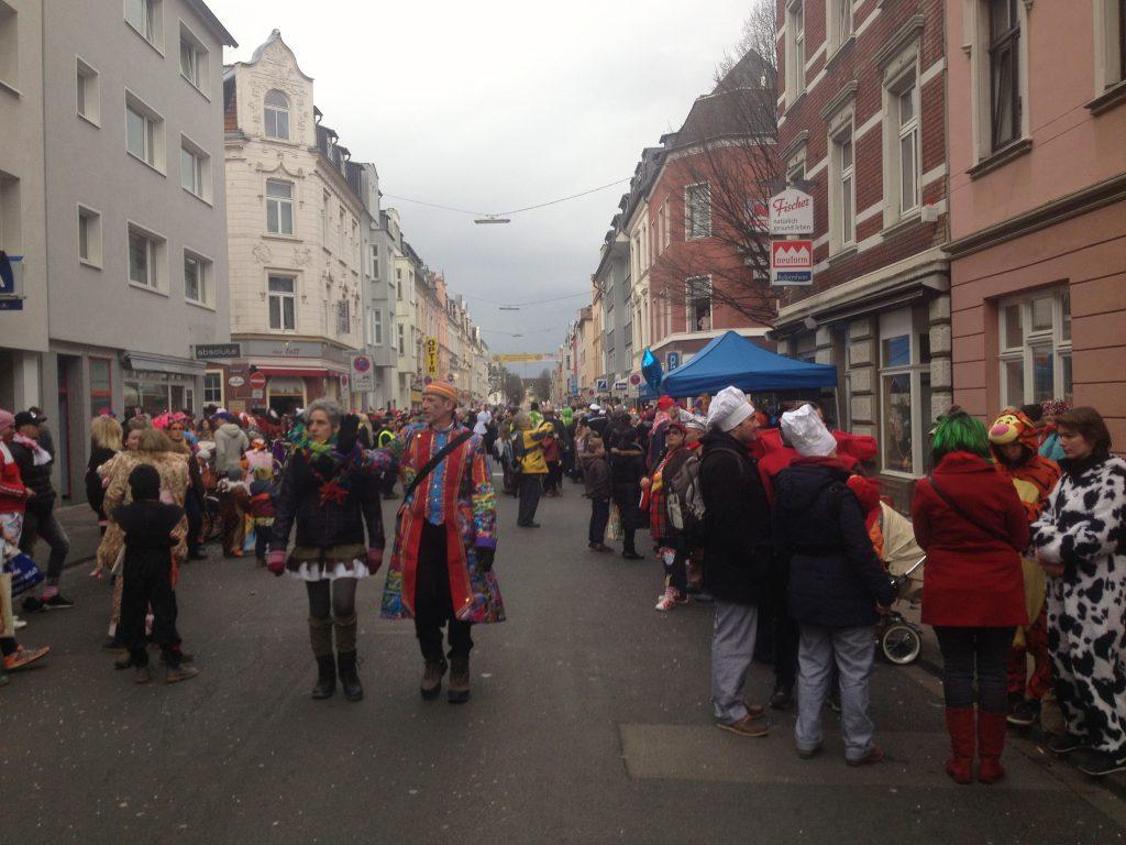 Karneval in Köln Ehrenfeld (Copyright: wilderwegesrand.de)