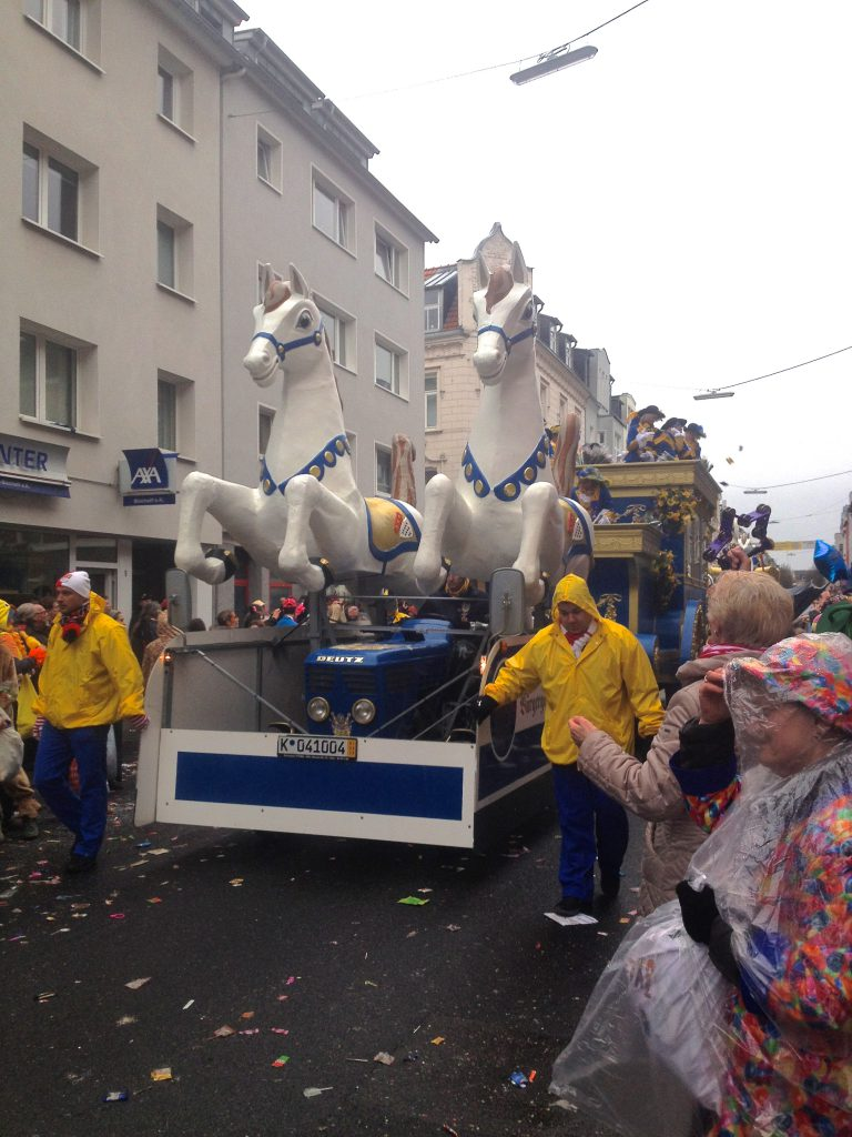 Karnevalsumzug Köln Ehrenfeld (Copyright: wilderwegesrand.de)