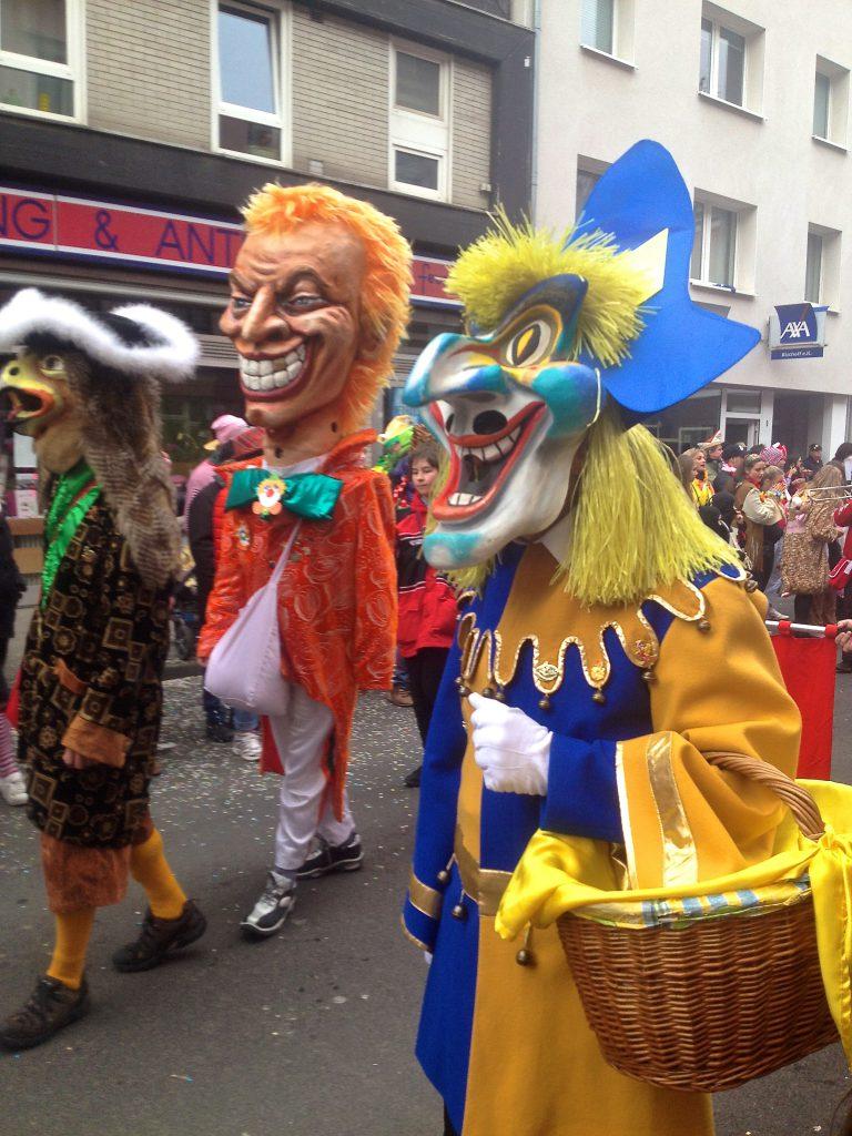 Karnevalsumzug in Köln Ehrenfeld (Copyright: wilderwegesrand.de)